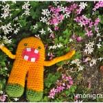 Joe disfruta entre las flores!